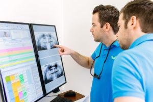 Kieferorthopädie Dr. Hellak Behandlung für Erwachsene
